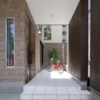 間口2間の明るい狭小住宅